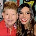 Maura Roth entrevista o cantor Roberto Leal